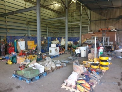Prees - Attachments / Buckets / Garage & Yard Equipment Timed Auction