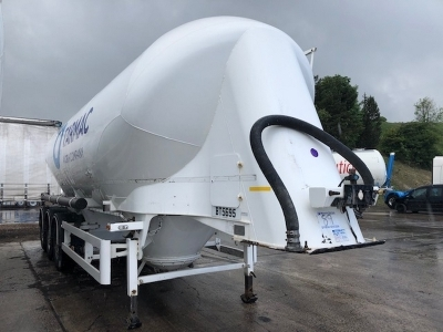 2015 Spitzer 37m³ 2 Pot Belly Triaxle Tanker Trailer