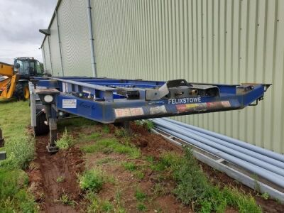 2007 Dennison Triaxle Sliding Skeletal Trailer
