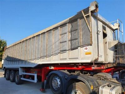 2013 Wilcox Alloy Body Steel Floor Triaxle 65yrd3 Tipping Trailer