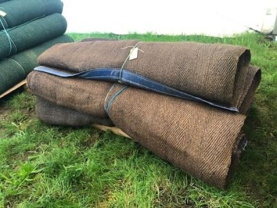9 x Rolls 6' Various Length Green Matting