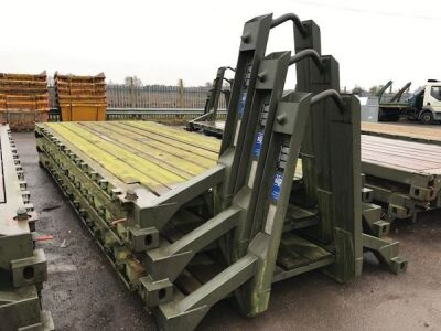 Big Hook 20' Flat Rack Body c/w Twistlocks