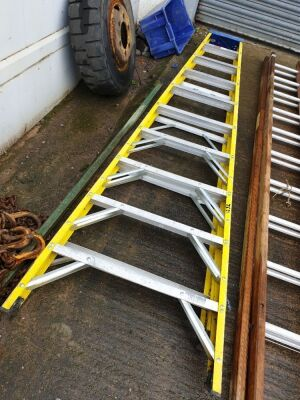 9 Rung Insulated Step Ladders